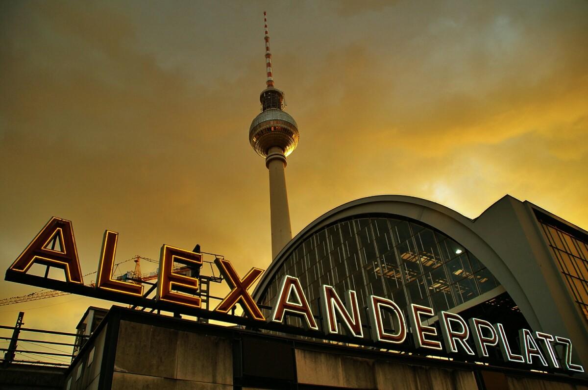 Alexanderplatz Fernsehturm | Foto Ron Kirchner