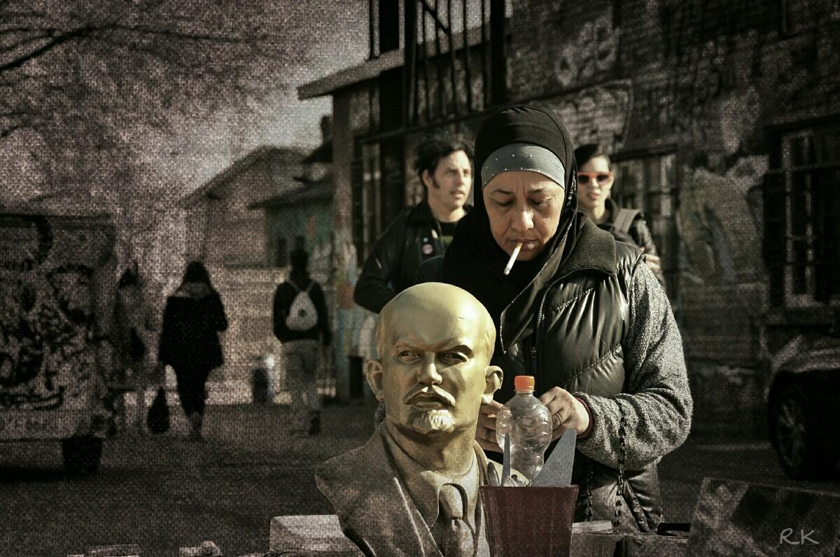 Muslima und Lenin RAW Gelände Berlin | Foto Ron Kirchner