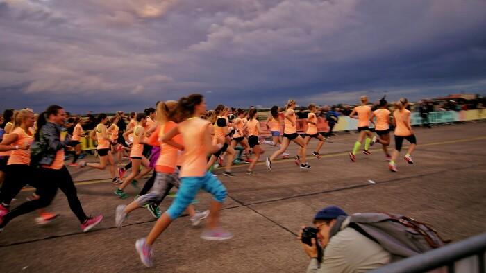 Frauenlauf Berlin Foto Ron Kirchner